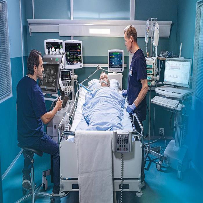پرستار بیمار بعد از عمل